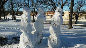 trio-of-snowmen